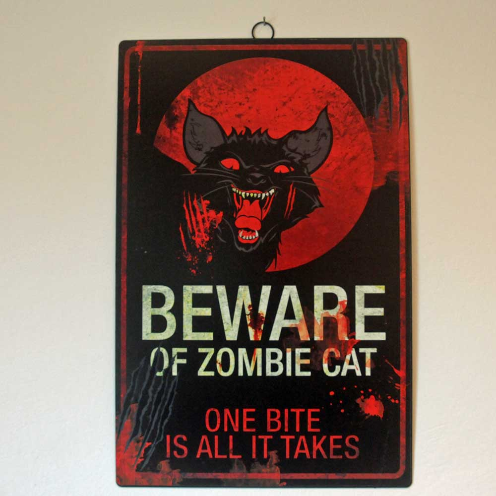Beware Of Zombie Cat - One Bite is All It Takes. Erhältlich im Bundesamt für magische Wesen