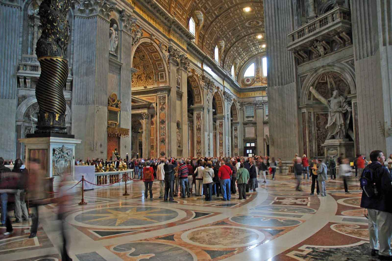"""Vatikan in Rom - Bald nur noch ein Museum? Der Katholischen Kirche gehen die Mitglieder flöten. In der Enzyklika """"Ecclesiaexit"""" bezieht Präsident Dräcker Stellung. (Foto: Bundesamt für magische Wesen)"""