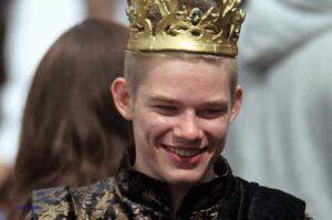 Joffrey Baratheon, ehemals Inhaber des Eisernen Throns, nunmehr Möbeldesigner in Bottrop